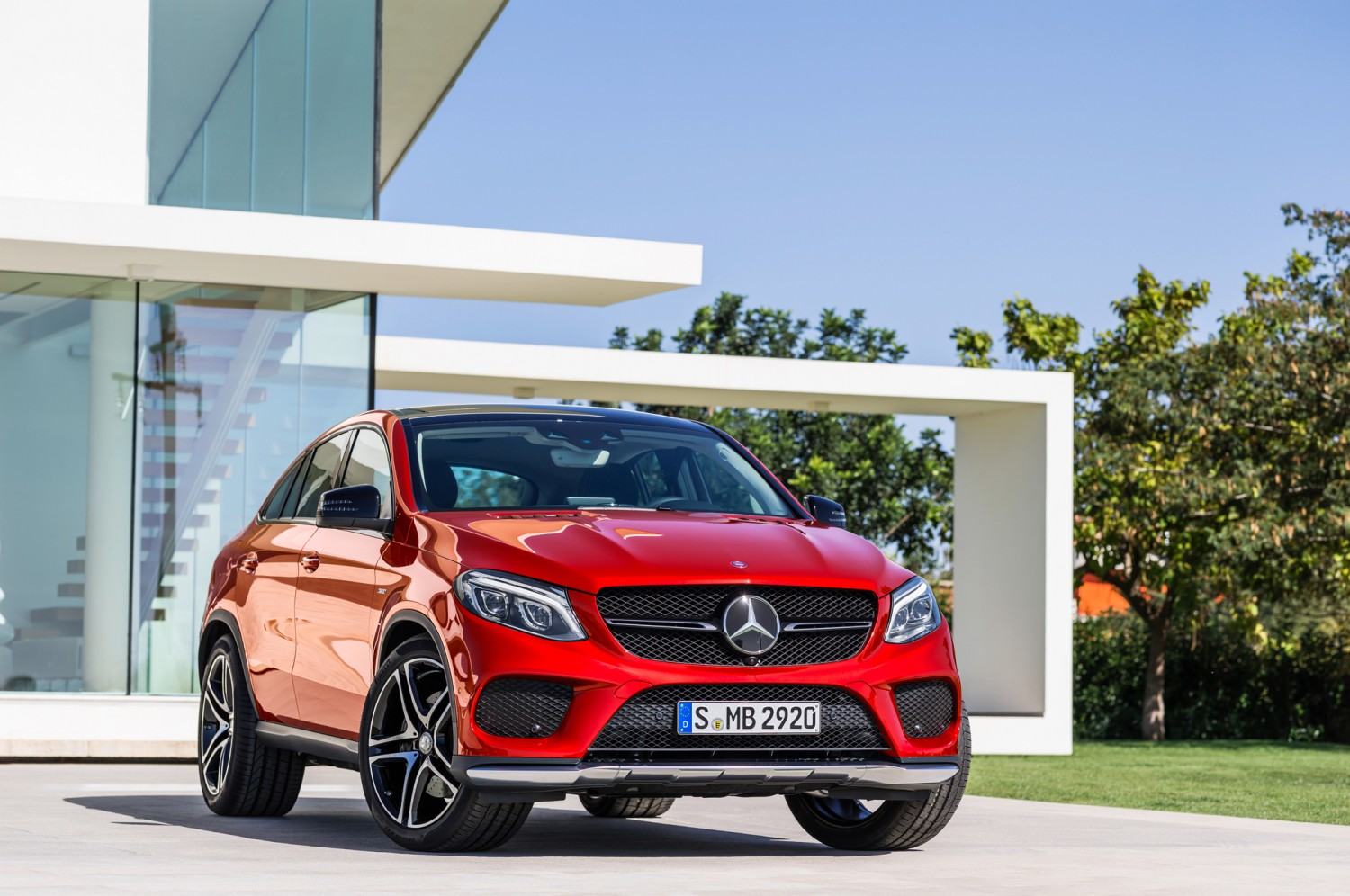 2016-mercedes-benz-gle-450-amg-4matic-coupe-front-end-02