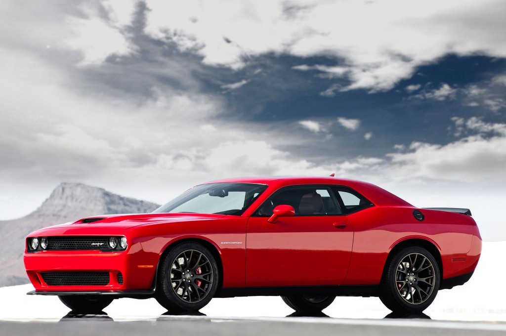 Dodge Challenger Hellcat ! Hell Fast !