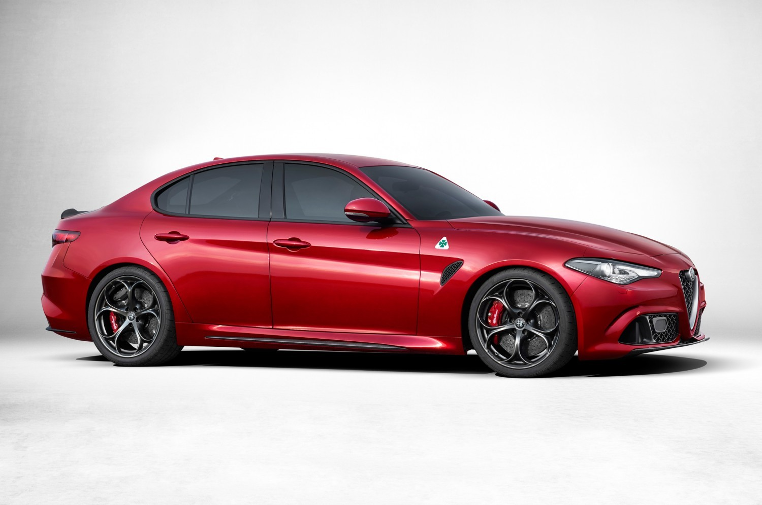 alfa-romeo-giulia-side-profile