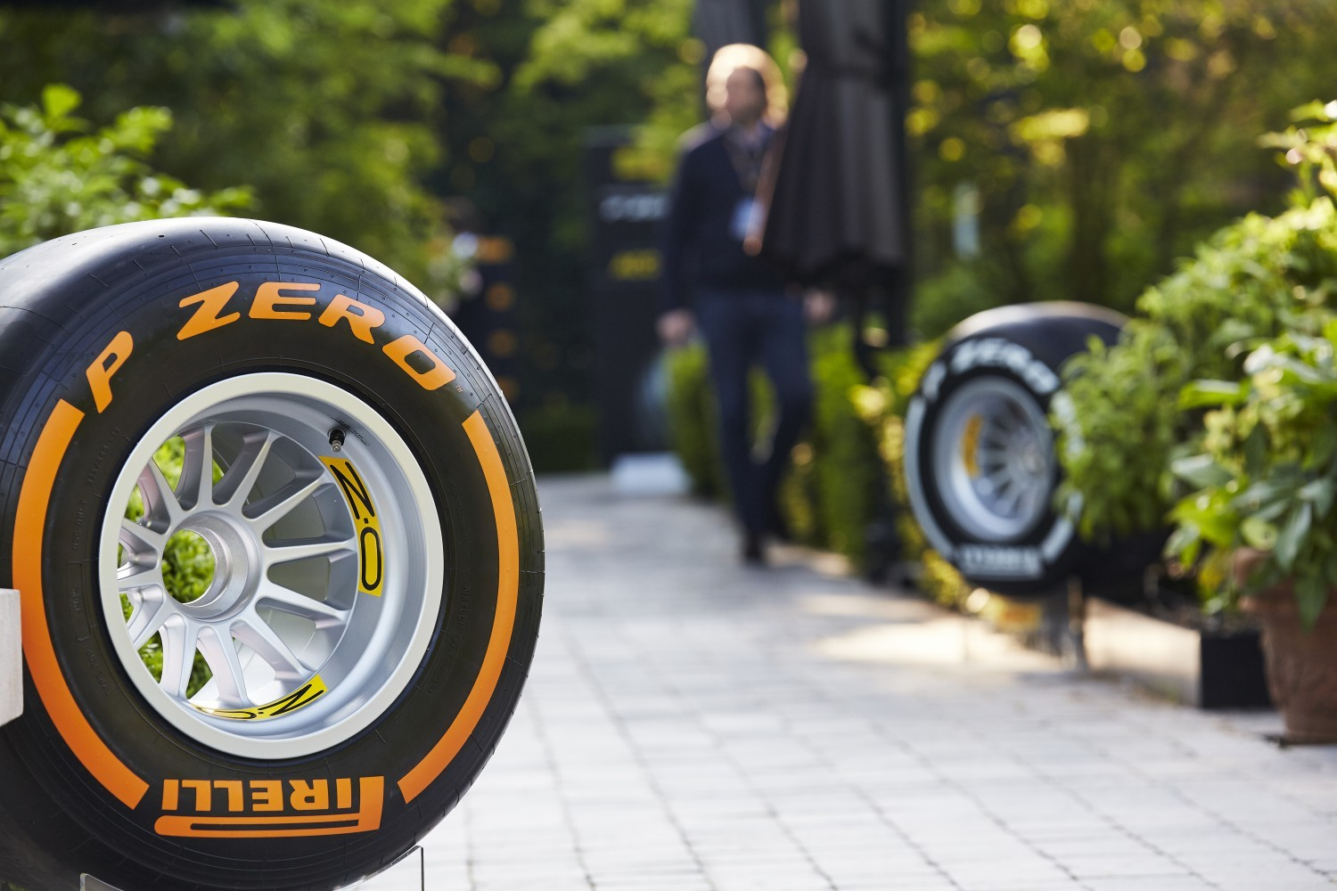 Pirelli_Introducing_P-Zero_Reims_DM_210